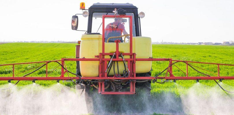 Existen diferentes tipos de pulverizadores agrícolas, pero ¿sabes cuál es el más adecuado para aplicar fitosanitarios en tu explotación de cereal?